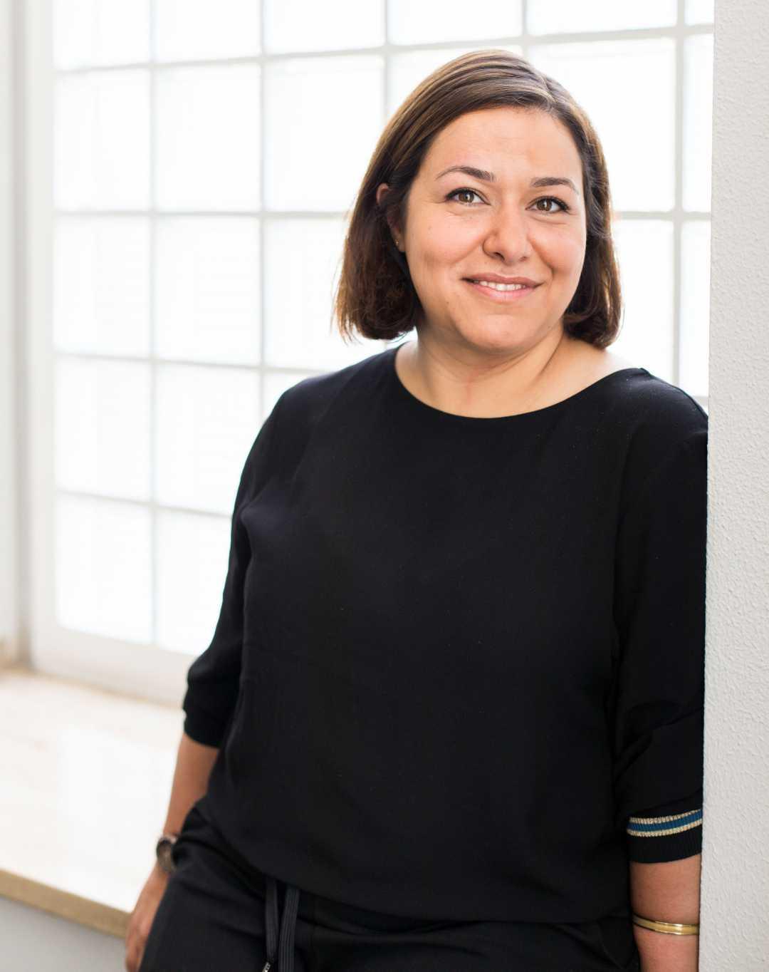 Tschista Ahmari, Referentin Flächensteuerung